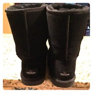 Ozwear boots by Ugg